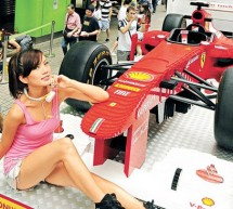 Full size Lego Ferrari F1 replica seems ready to flex muscles