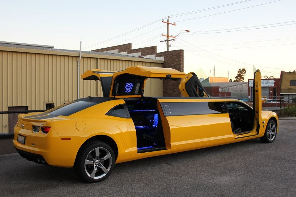 Extreme Conversion: Chevrolet Camaro Transformers Special Edition SS as Limousine - Auto Chunk