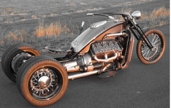 V8 Trikes Homemade http://autochunk.com/6117/2012/12/12/ford-v8-powered-custom-trike-is-a-blast-to-ride/