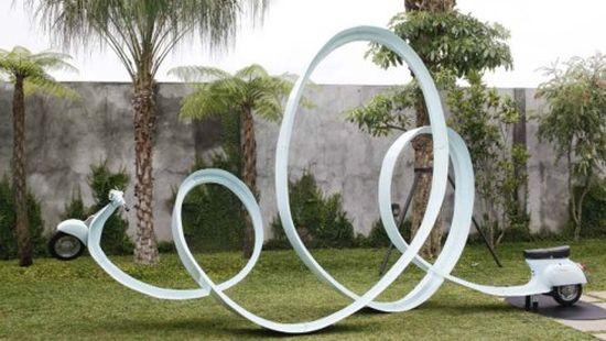 Eddi Prabandono's multi-looped Vespa sculpture