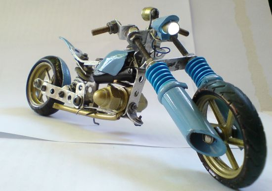 Scale souvenir motorbike models 2