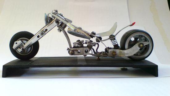 Scale souvenir motorbike models 7