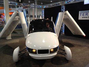 640px-Terrafugia_--_2012_NYIAS_--_front_view,_folding_wings