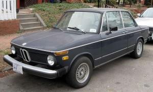 800px-BMW_2002_2-door