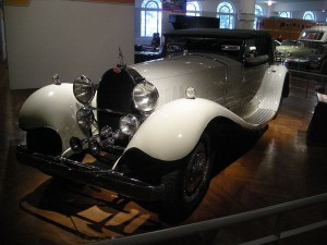 800px-Henry_Ford_Museum_August_2012_48_(1931_Bugatti_Type_41_Royale)