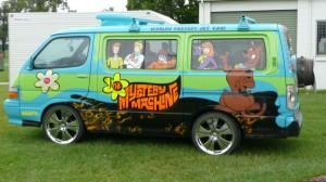 scooby-doo-mystery-machine-monster-trucks1