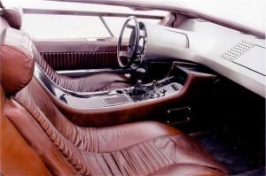 Maserati-Boomerang-interior