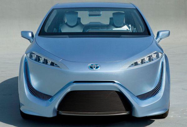 Toyota-FCV-R-Concept-Car-2012-2