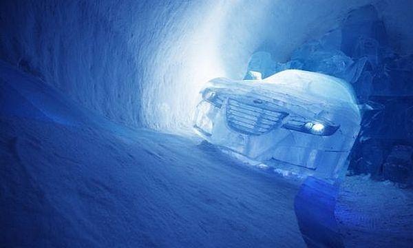 14-coolest-ice-car-sculptures-15