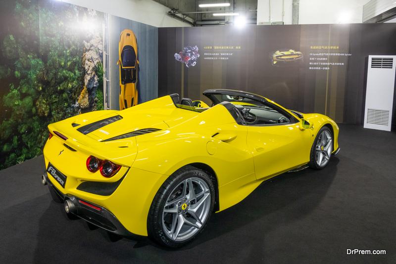2020-Ferrari-F8-Spider