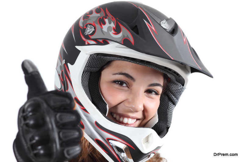 woman indicating perfect Helmet